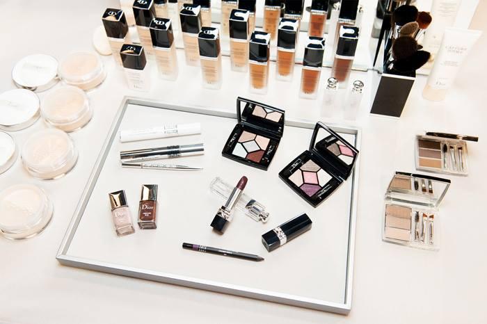 Diorの2016年秋コスメが大人気!ブラウンリップ&シャドウで秋メイクのサムネイル画像
