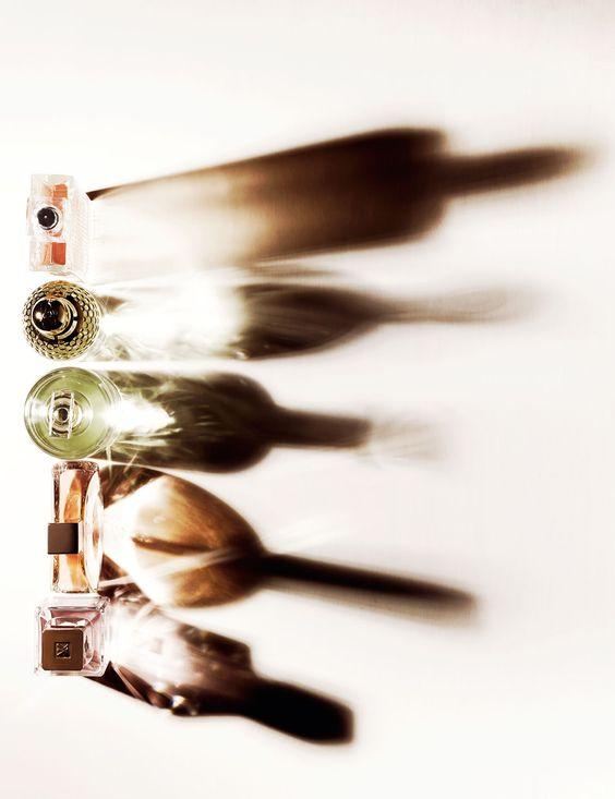 纏えば品格のある女性に!名品ぞろいのゲランの香水カタログのサムネイル画像