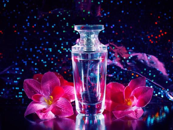 いい香りで周囲の人もあなたの虜に?!オススメのユニセックス香水☆のサムネイル画像