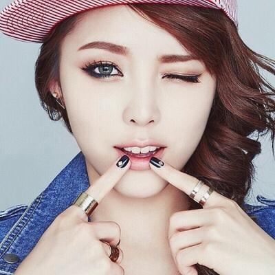 韓国メイクアップアーティストのメイク術&使用コスメを紹介します!のサムネイル画像