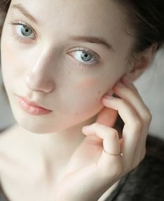 【毛穴】バイバイ毛穴開き!ケア方法とおすすめ化粧水【化粧水】のサムネイル画像