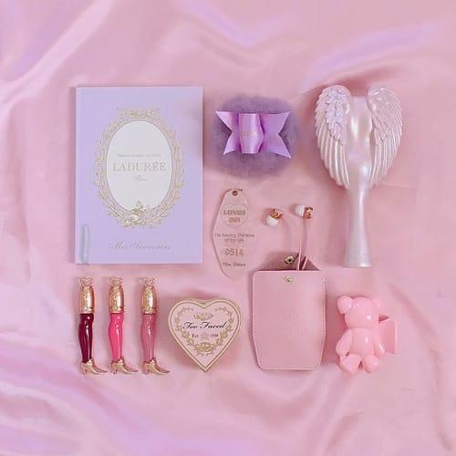 バレンタインにいかかが?《チョコレートコスメ》でキュンと贅沢に♡のサムネイル画像