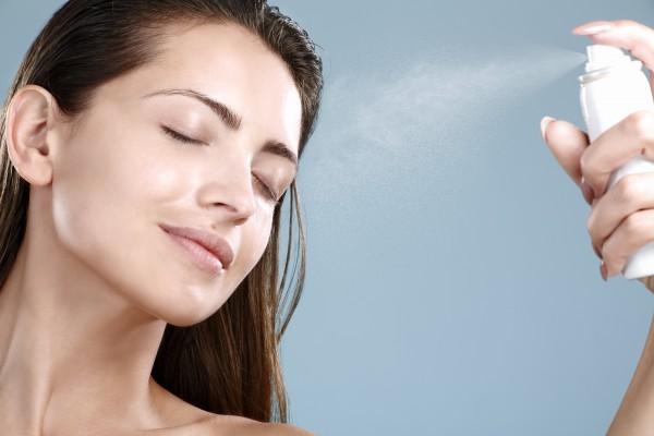 手軽に保湿ができる?スプレータイプ化粧水の保湿力はどうなの?のサムネイル画像