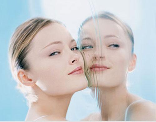美白化粧品で効果が高いのってどれ?シミに効く美白化粧品5選のサムネイル画像