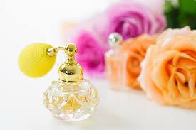 自分だけの香りでうっとり!毎日が楽しくなる香水の選び方ガイドのサムネイル画像