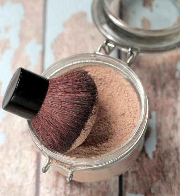 理想の美肌がつくれちゃう、種類別人気のあるパウダーをご紹介のサムネイル画像