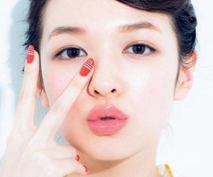 【おすすめ】あなたにぴったりのチークの色と種類をご紹介!のサムネイル画像