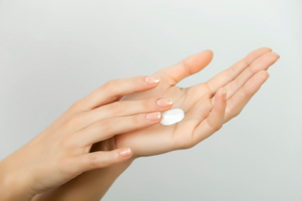 ハトムギ化粧水の効果をしっかり発揮できる使い方をマスターしよう♡のサムネイル画像