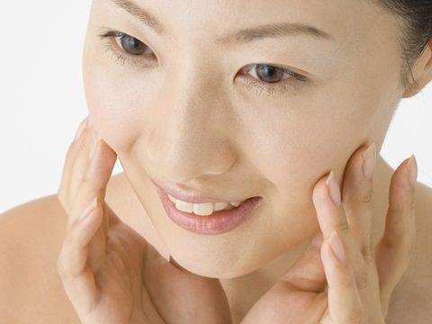 目指せ美肌!基礎化粧品の人気おすすめ商品をご紹介します!!のサムネイル画像