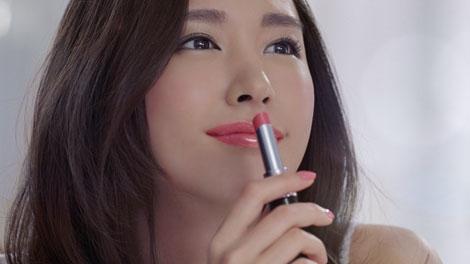 あの女優のような唇になれる!?エスプリークの口紅とは!?のサムネイル画像