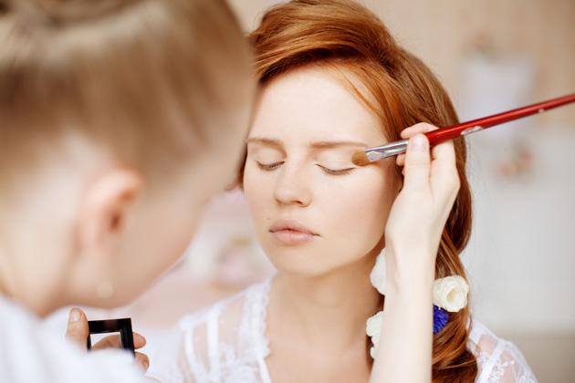 顔の印象を決めるのは眉毛!外人の眉メイクをマネしてイメチェン♡のサムネイル画像