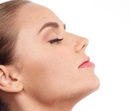 鼻の印象はメイクで劇的に変わる!鼻メイクで今日から横顔美人に♡のサムネイル画像