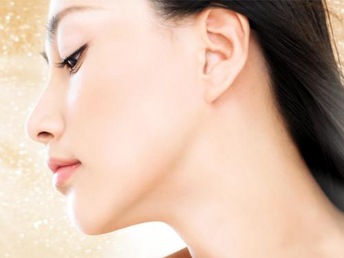 効果が抜群の美白化粧水は?透明感があるお肌になれちゃいますよ♡のサムネイル画像