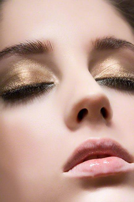 ジェル・クリームアイシャドウで♪しっとりしたぬけ感のある目元に♡のサムネイル画像