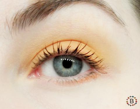 定番人気カラーでキュートに♪おすすめのオレンジアイシャドウ♪のサムネイル画像