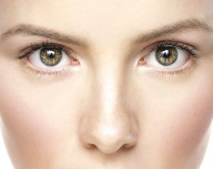 微粒ホワイトパール配合のセザンヌ・ノーズシャドウ ハイライト のサムネイル画像