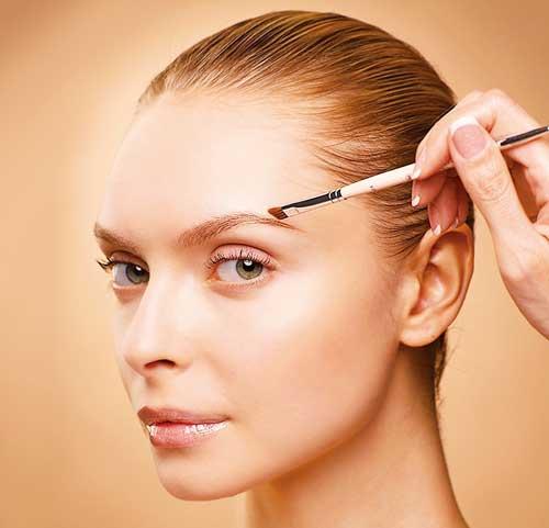 【眉毛ブスにさようなら】女は眉毛の位置で美人度が激変する!のサムネイル画像