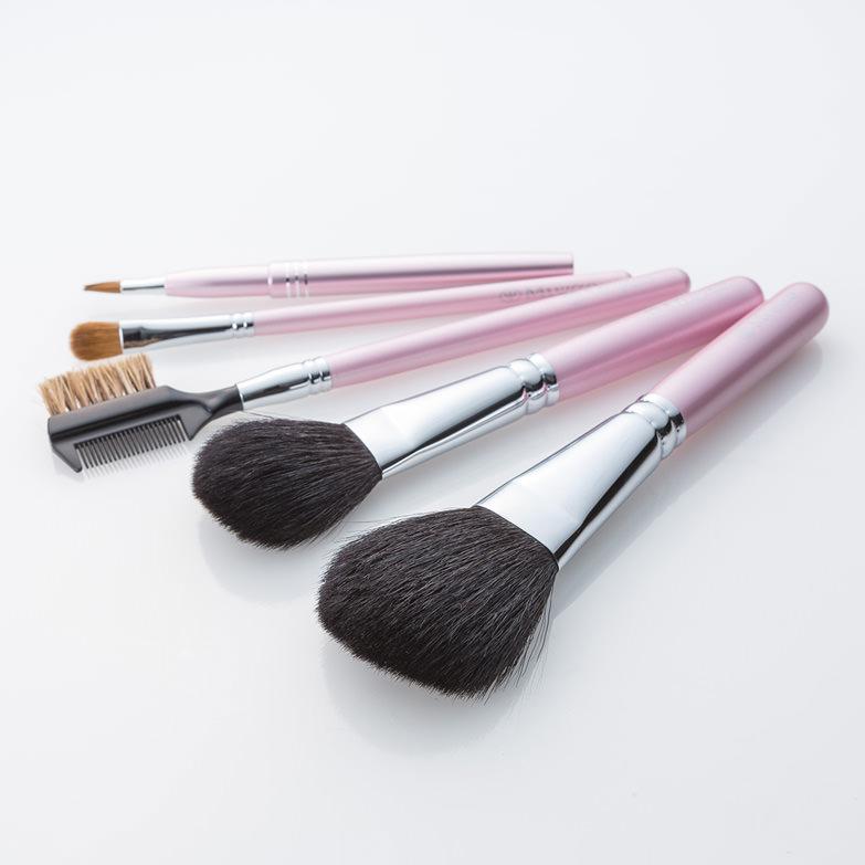 大人気の熊野筆セット♡大切な贈り物に熊野筆セットがおすすめです。のサムネイル画像