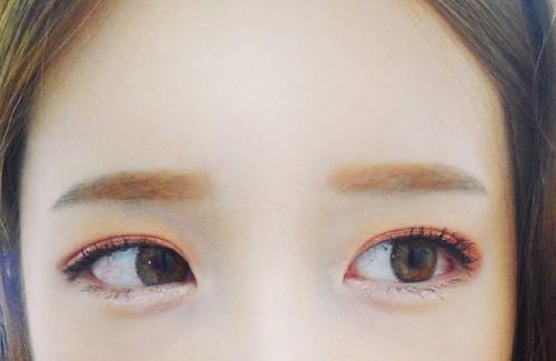 メイク初心者女子必見!眉毛の正しい整え方と今ドキアイブロウメイクのサムネイル画像