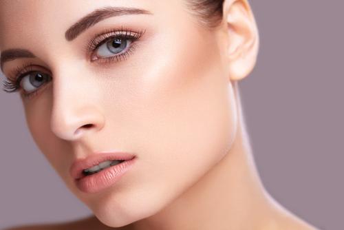 毛穴が目立たないつるつるお肌に!美肌になれるファンデーション♡のサムネイル画像