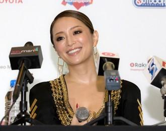 女性の憧れ♡歌姫あゆのメイクアップ方法をご紹介します!!のサムネイル画像