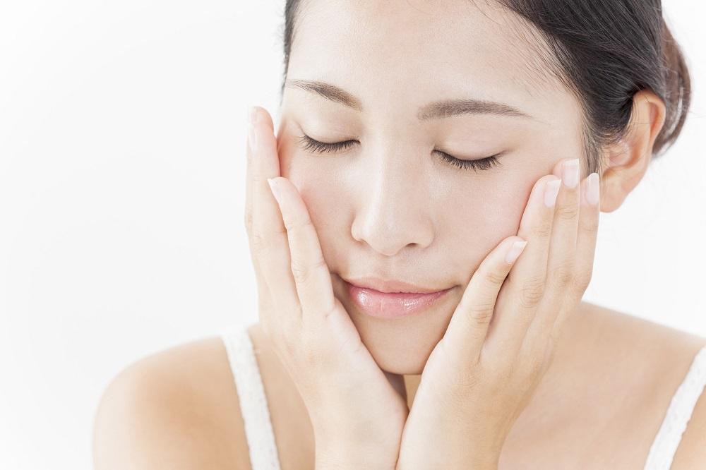 大人ニキビにサヨナラ出来ちゃう♪ニキビに効果的なおすすめ化粧水♡のサムネイル画像