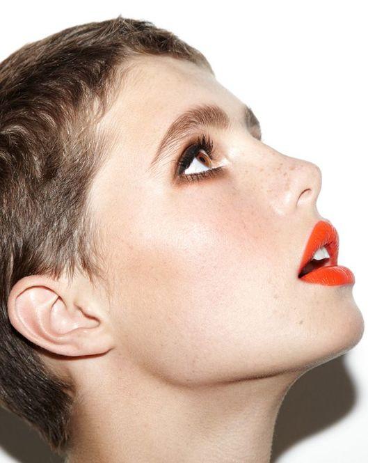 ナチュラルな美しさがオレンジリップメイクの魅力なんです♪のサムネイル画像