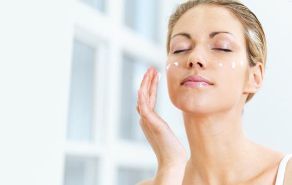 化粧水たくさんあってどれがイイのかわからない!人気ランキング!のサムネイル画像