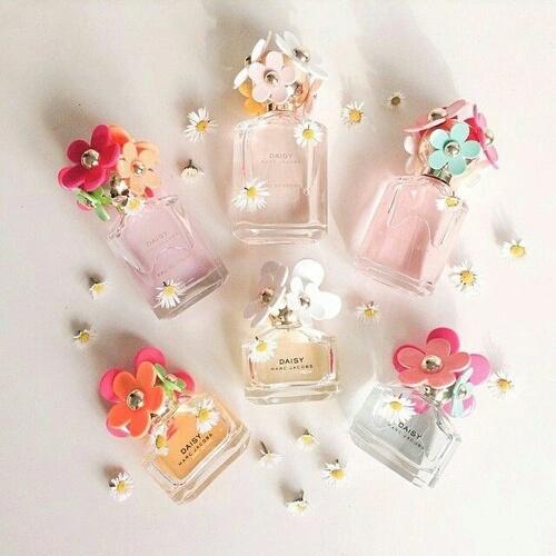 可愛い香水を飾ってつけて女度UP♪ふんわり香って魅力的に!のサムネイル画像
