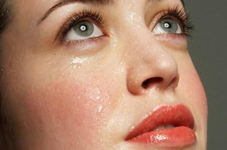 崩れにくいベースメイクを!化粧崩れしないファンデーション特集のサムネイル画像