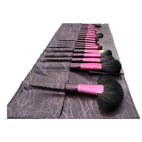 化粧筆の使い方をレクチャー&おすすめ化粧筆セットを紹介します!のサムネイル画像