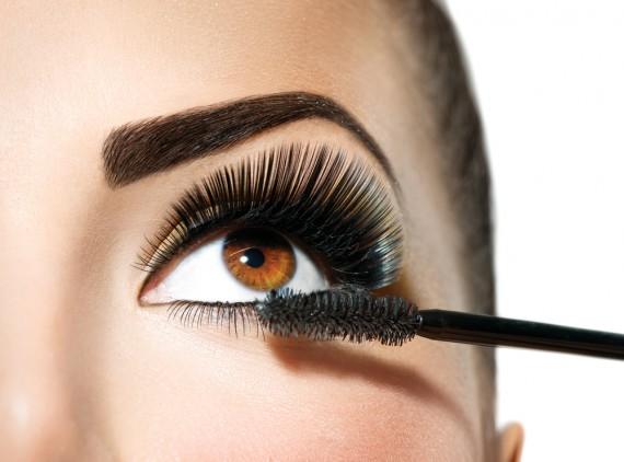 マスカラで素敵で美人な目元になりたい!人気ランキング大公開のサムネイル画像