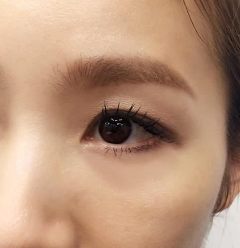 眉毛の太さのトレンドは、時代の流れと同時に変化し続けている。のサムネイル画像
