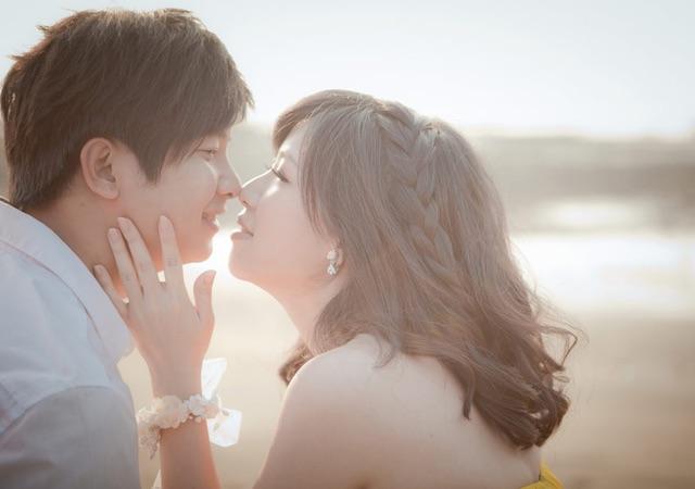 特別なリップでキスを誘っちゃおう!彼を夢中にさせる唇になるには?のサムネイル画像