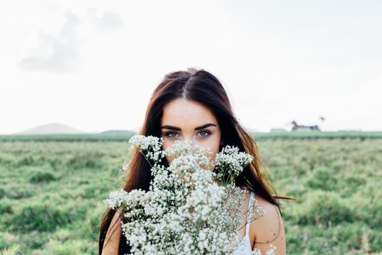 「エレガンス」がコンセプト。ジバンシーの化粧品で大人可愛く。のサムネイル画像