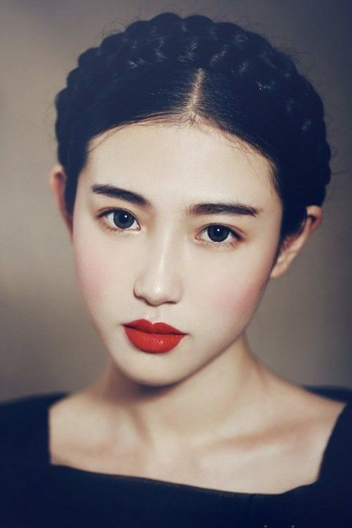 【2016最新】しっとり陶器肌へ❤︎口コミ高評価ファンデーション10選のサムネイル画像