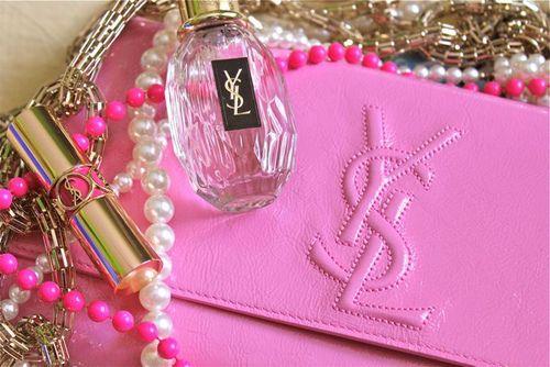【匂いが記憶を呼び起こす】イブサンローランの香水で足跡を残せ。のサムネイル画像