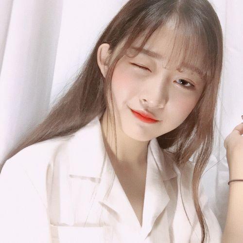 透明肌に滲む水彩色♡韓国の儚げ《水彩画メイク》が可愛すぎる!のサムネイル画像