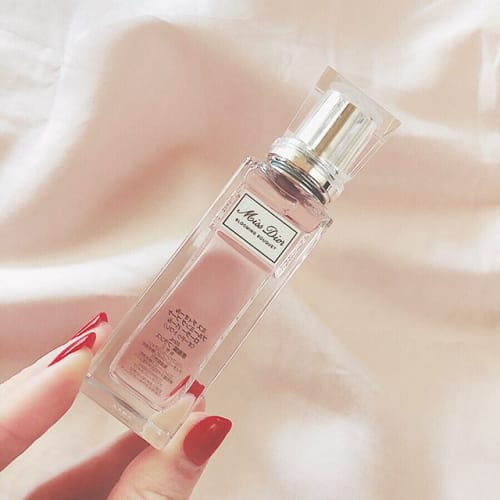 憧れのあの《香水》一体いくら?どんな匂いなの?そんな疑問を解決♡のサムネイル画像