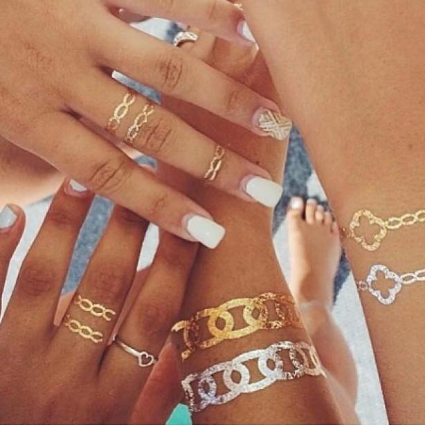 今年の夏のトレンド!タトゥーシールの貼り方をマスターしよう!のサムネイル画像
