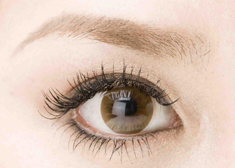 眉毛の色は髪の色で決める!髪色から選ぶ眉毛の色のまとめ!のサムネイル画像