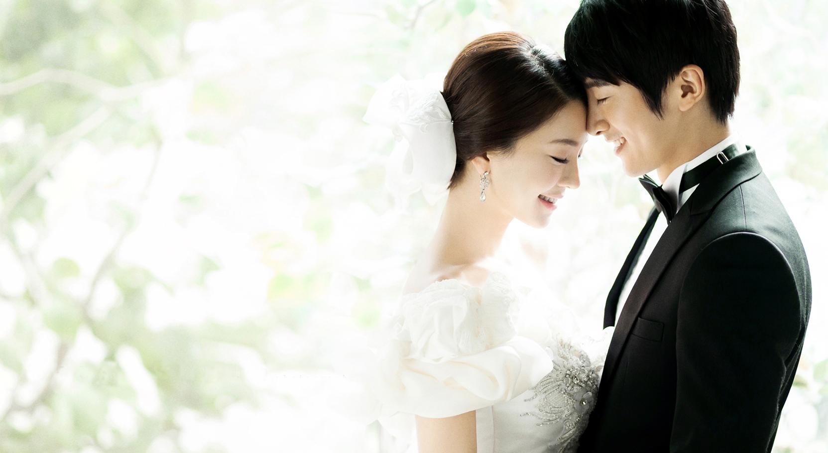 式を控える花嫁さん必見!お顔を華やかに彩るウェディングメイク!のサムネイル画像