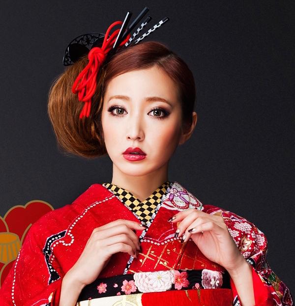 人生に一度の大事な日。成人式の日、振袖に合うお化粧特集!のサムネイル画像