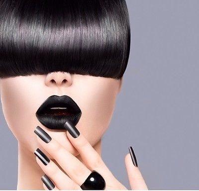 ダークカラーメイクが流行している今年の秋冬に黒の口紅はいかが?のサムネイル画像
