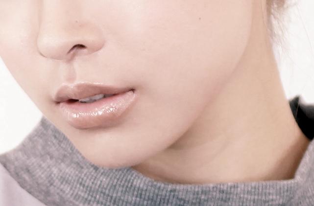 口紅のベージュ系カラーって難しい?自分色のベージュカラーを発見!のサムネイル画像