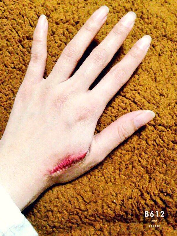 マジ!すごい傷メイクの方法を知って自分で傷メイクにチャレンジ!のサムネイル画像
