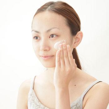 理想的な肌を手に入れたい!美白効果のある乳液を紹介します☆のサムネイル画像