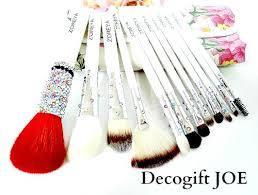 メイクブラシを使うと劇的変身!熊野の化粧筆を知ってますか?のサムネイル画像