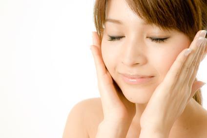 日本のメーカーの化粧水だってすごい!メーカー別おすすめ化粧水特集のサムネイル画像