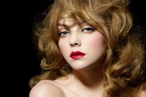 いまどき女子のトレンドメイク!赤メイクを徹底検証してみました!のサムネイル画像